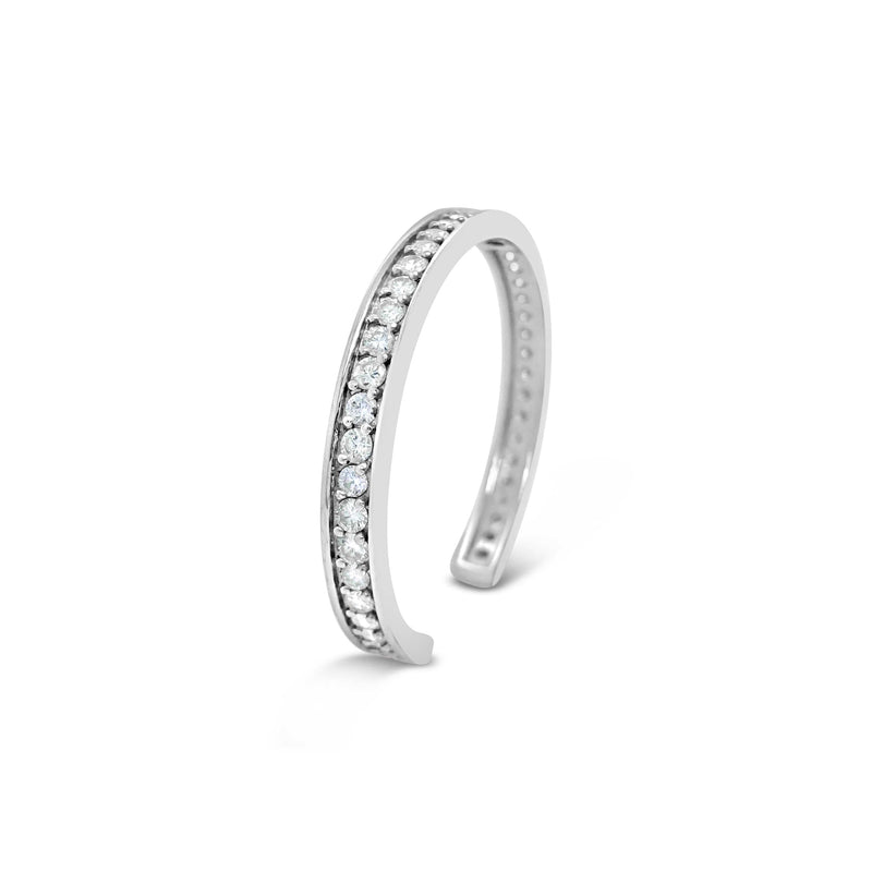 products/narrow-white-gold-cuff-bracelet-large-diamonds-60031-2.jpg