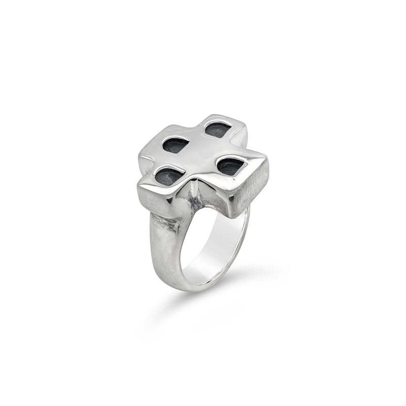 products/saint_cross_ring_silver.jpg