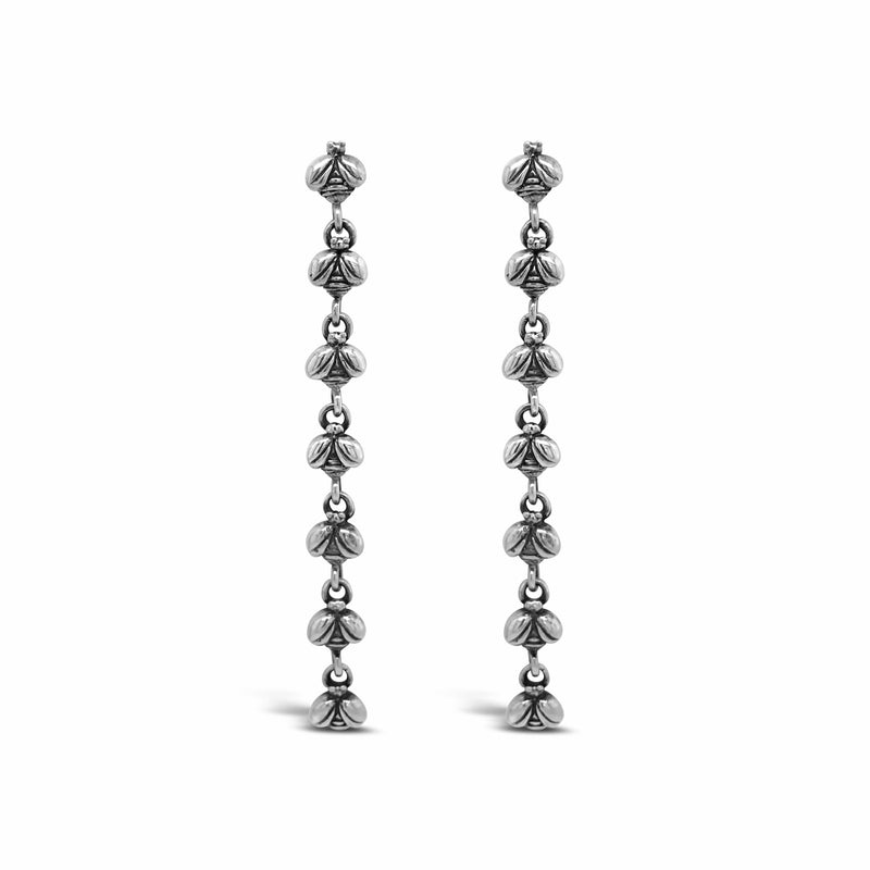products/silver_bee_earring.jpg