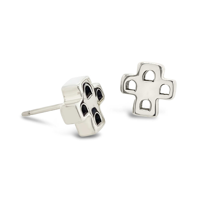 products/silver_cross_earrings.jpg