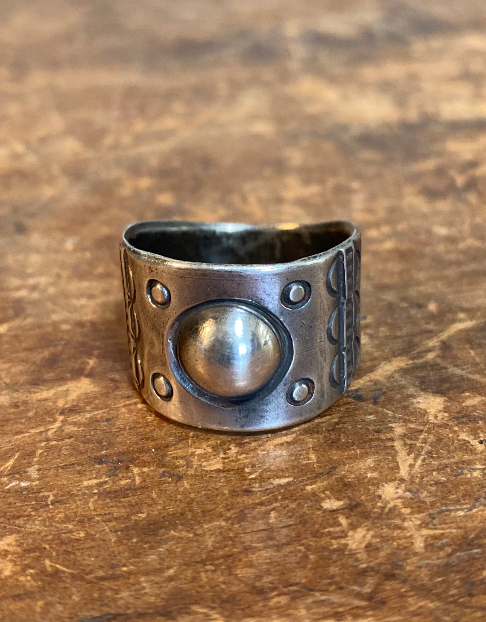 Jock Favour Full Moon Ring