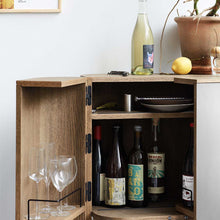 Afbeelding in Gallery-weergave laden, Northern Trolley Loud bar cabinet