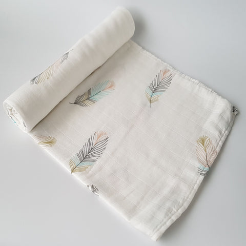 Delux Muslin Swaddle - Feathers - MAMAS + MINIS