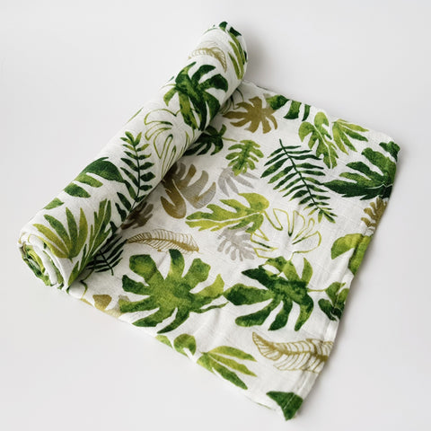 Delux Muslin Swaddle - Tropical Leaves - MAMAS + MINIS