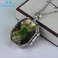 The Noble Collection Harry Potter Horcrux Locket - 3 Otters