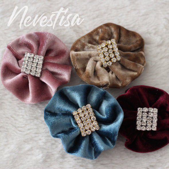 Velvet lapel flower pin