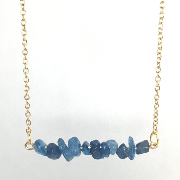 Blue agate chip beaded pendant