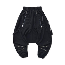 I read an image to a gallery viewer, Tartan bondage saluel