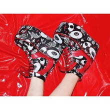 I read an image to a gallery viewer, Kabuki Platform Shoes