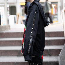 I read an image to a gallery viewer, Studs D Sailor Parka