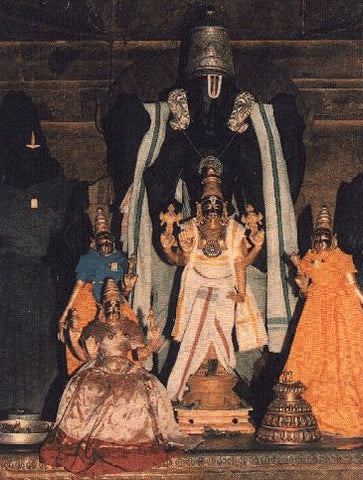 Book online at anarghyaa.com to perform puja in Tirukandiyur Sri Hara Shapa Vimochana Perumal