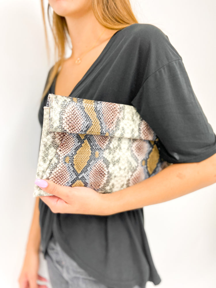 Load image into Gallery viewer, Sasha Crossbody Clutch
