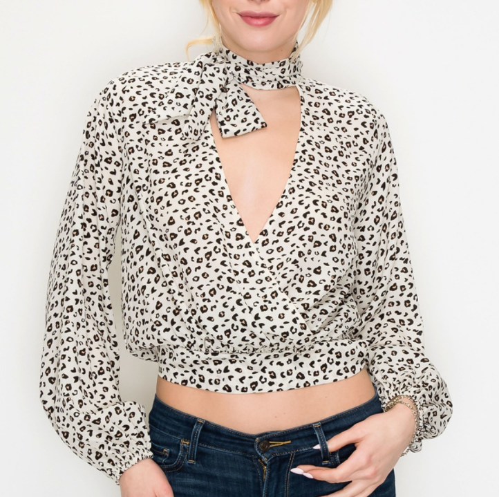 Load image into Gallery viewer, Leah Crop Blouse