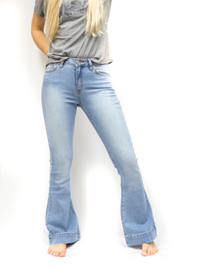 Load image into Gallery viewer, Sadie Light Wash Flare Jeans