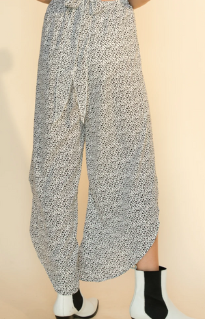 Thigh Wrap Pant