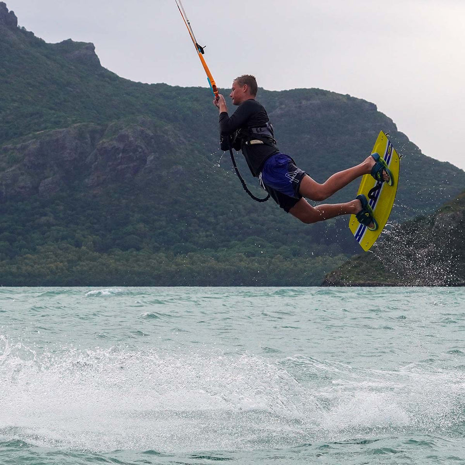 Kitesurf Lesson 05 / INTERMEDIATE COACHING, 2 hours - Hydrofoil / Tricks & Jumps / Wave Kiting