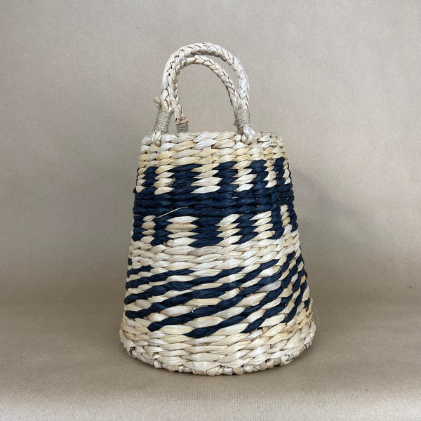 Basket with black pattern - Small