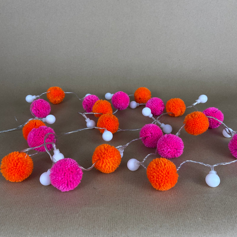 Pom Pom Light Chain Garland