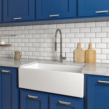 Load image into Gallery viewer, ZLINE Venice Farmhouse Reversible Fireclay Sink in White Gloss FRC5131-WH-33