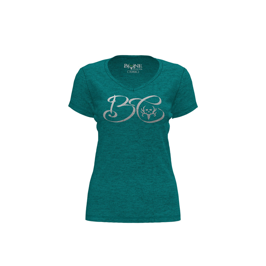 Bone Collector Savannah Women's V-Neck T-Shirt
