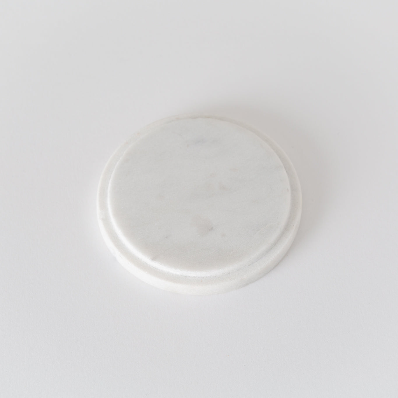Pure marble lid/ coaster to fit 220g natural wax candle. Under side