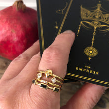 Load image into Gallery viewer, Slim Trinity Ring - Gold