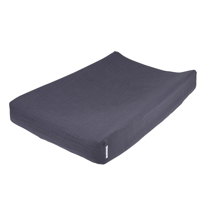 Atelier Lout | changing mat cover - changing pad cover blue