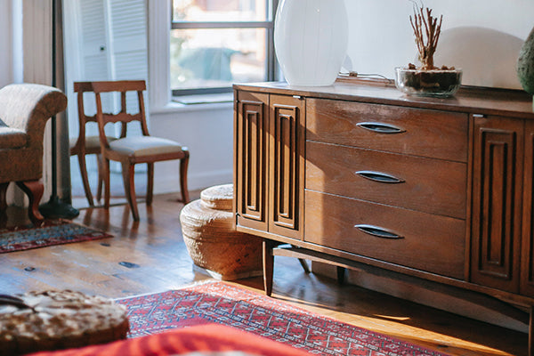 Tips for Selling Your Old Furniture and Decor Online