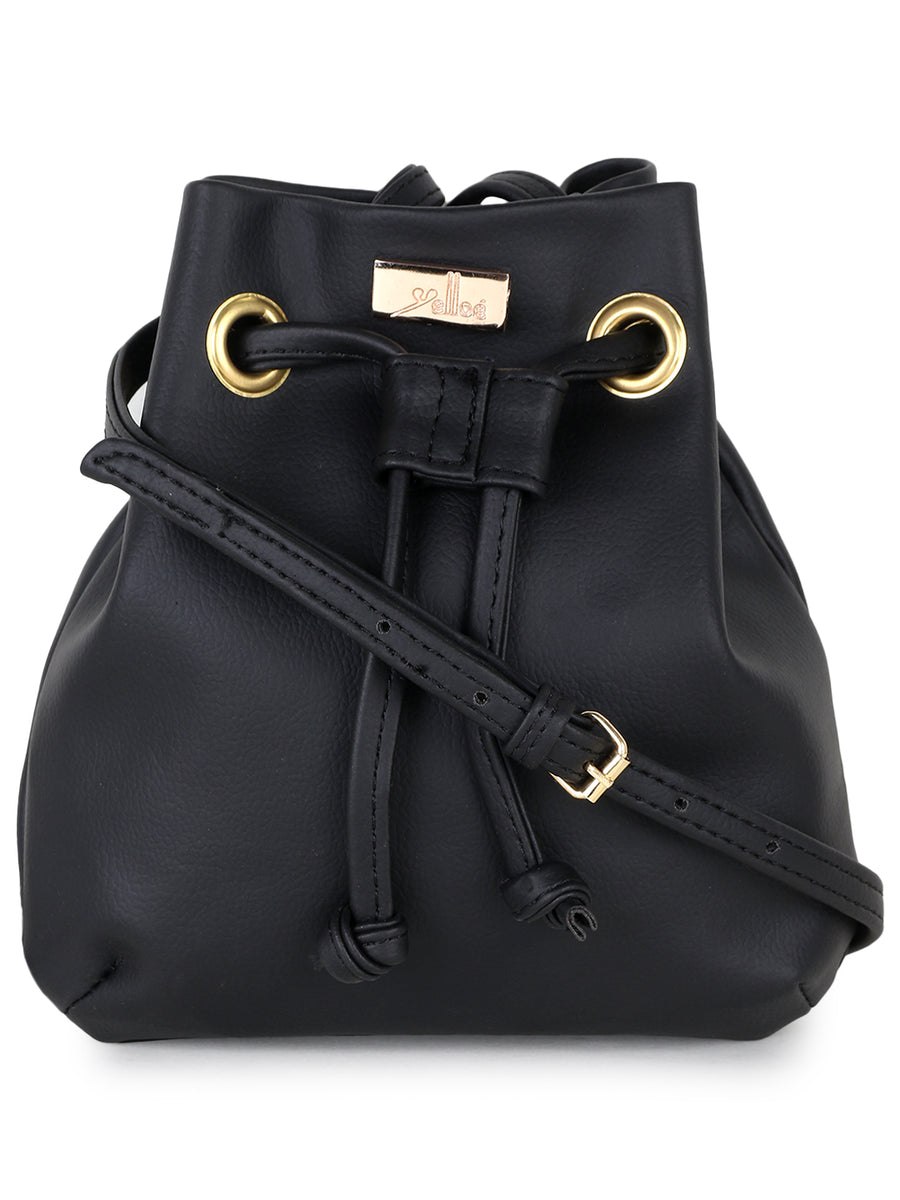 Black sling bag in small Size