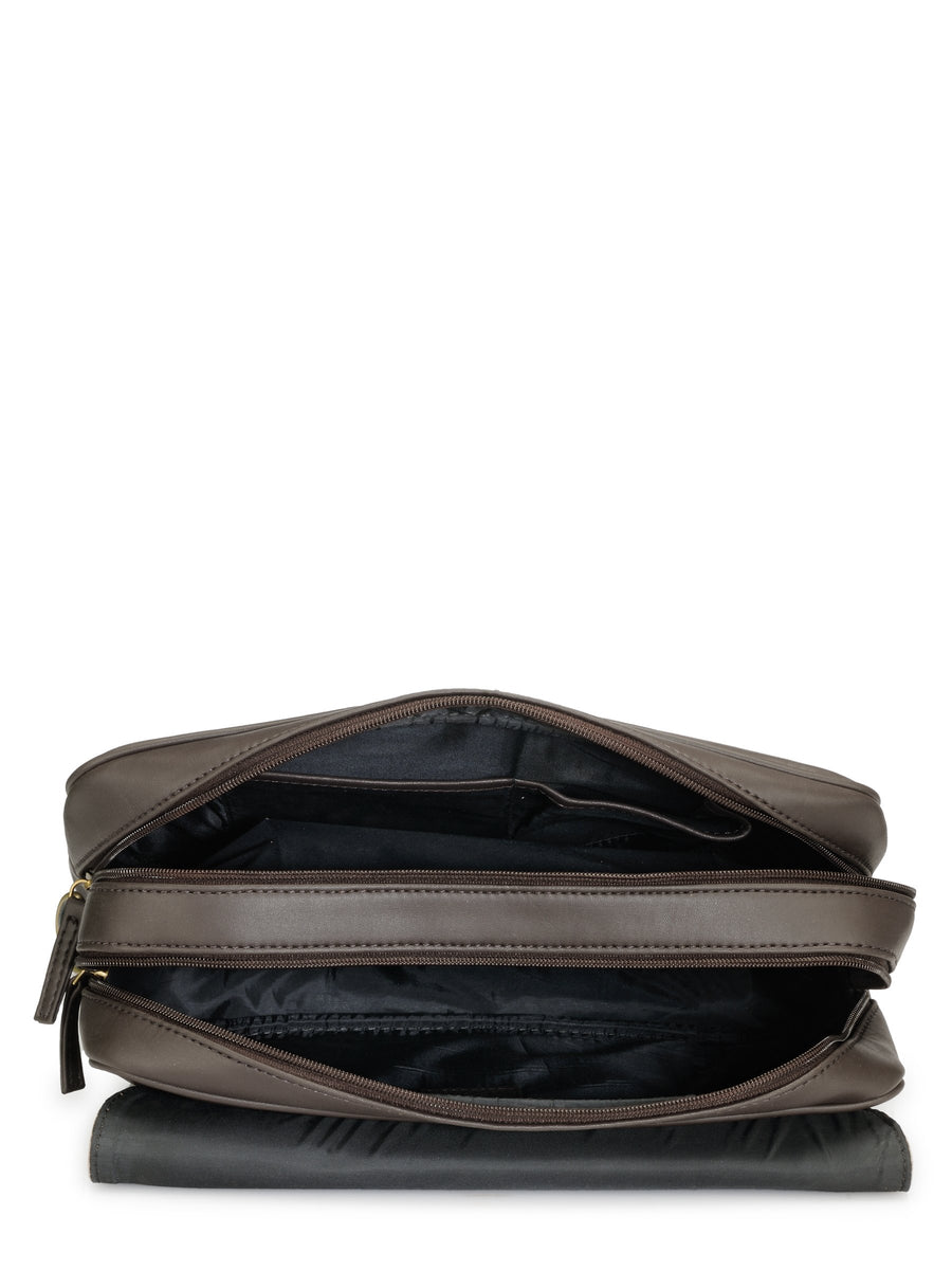 Yelloe Messenger Bag (Brown)