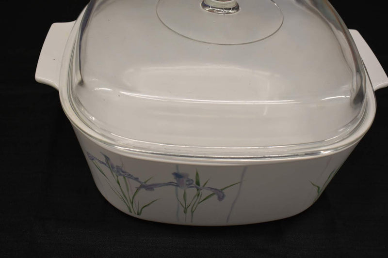 WHITE LILAC COLOR - MID CENTURY SHADOW IRIS SERVEWARE CASSEROLE - FLORAL PATTERN - SQUARE SHAPE WITH LID