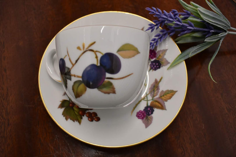 PORCELAIN BONE CHINA CUP AND SAUCER - ROYAL WORCHESTER EVESHAM-GOLD RIM-ENGLAND