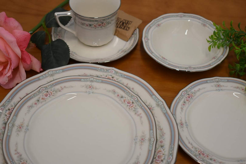 Noritake Rothschild Pattern - Porcelain Fine China - 6 Piece Dinnerware Set