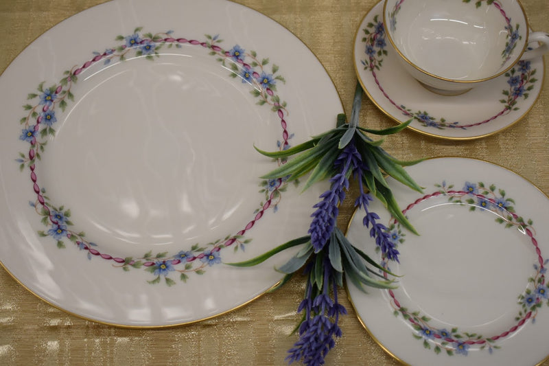 LENOX BELVIDERE PORCELAIN CHINA - 4 PIECE SET - BRAND NEW - RARE AND CLASSY