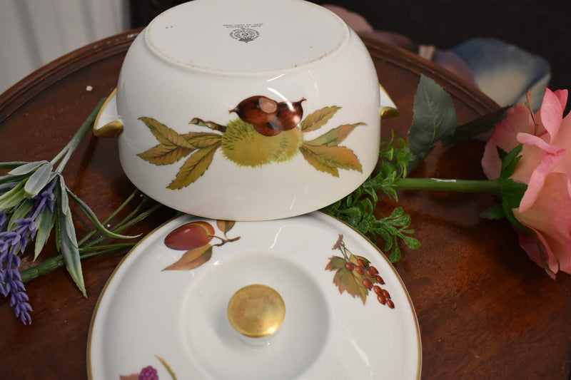 Royal Worchester Eve sham - Porcelain Fine China - Casserole With Lid - Gold Trim - From England