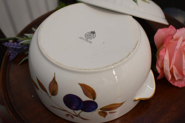 Royal Worchester Evesham - Fine Porcelain Fine China - Big Serveware With Lid - Gold Trim - From England