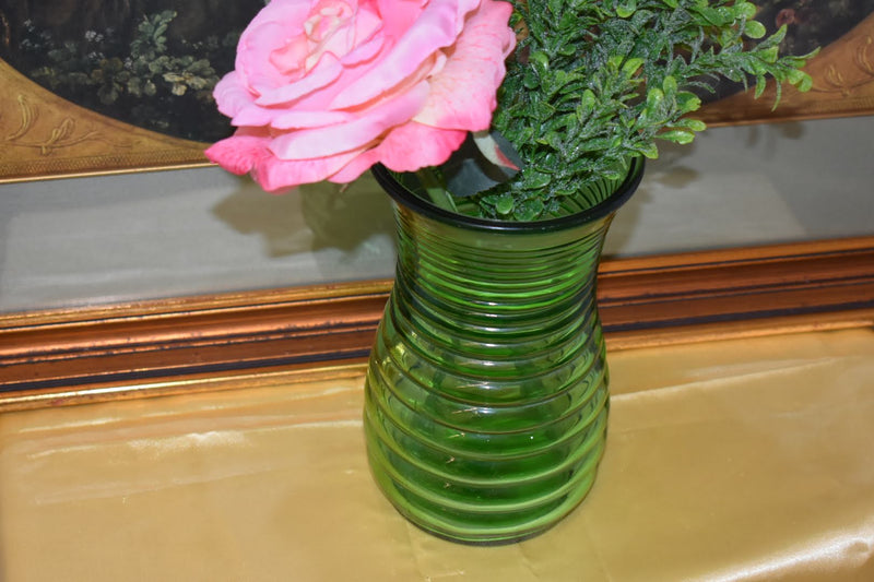 MID CENTURY GLASS VASE - GREEN COLOR - NEW