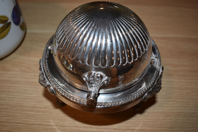 SILVER PLATED CONDIMENT DISH - ORNATE PATTERN - WITH CRYSTAL GLASS DISH