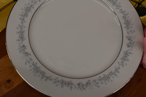 Noritake Contemporary Marywood - Fine Porcelain China - Dinner Plate - Small Platter