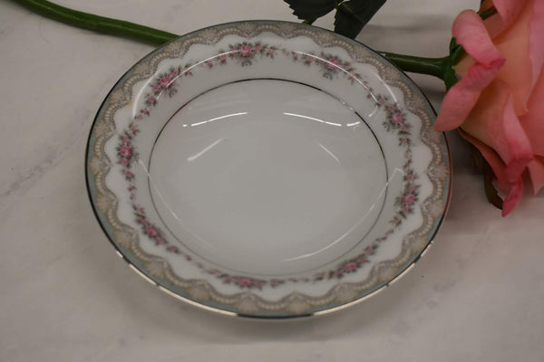 Noritake Glenwood - Fine Porcelain China - 5770 pattern - Small Round Vegetable Bowl