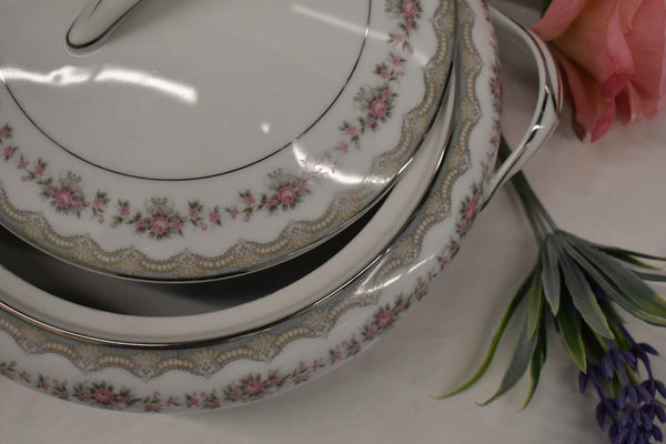 Noritake Glenwood - Fine Porcelain China - Platinum Rim - 5770 pattern - Round Vegetable Bowl with Lid
