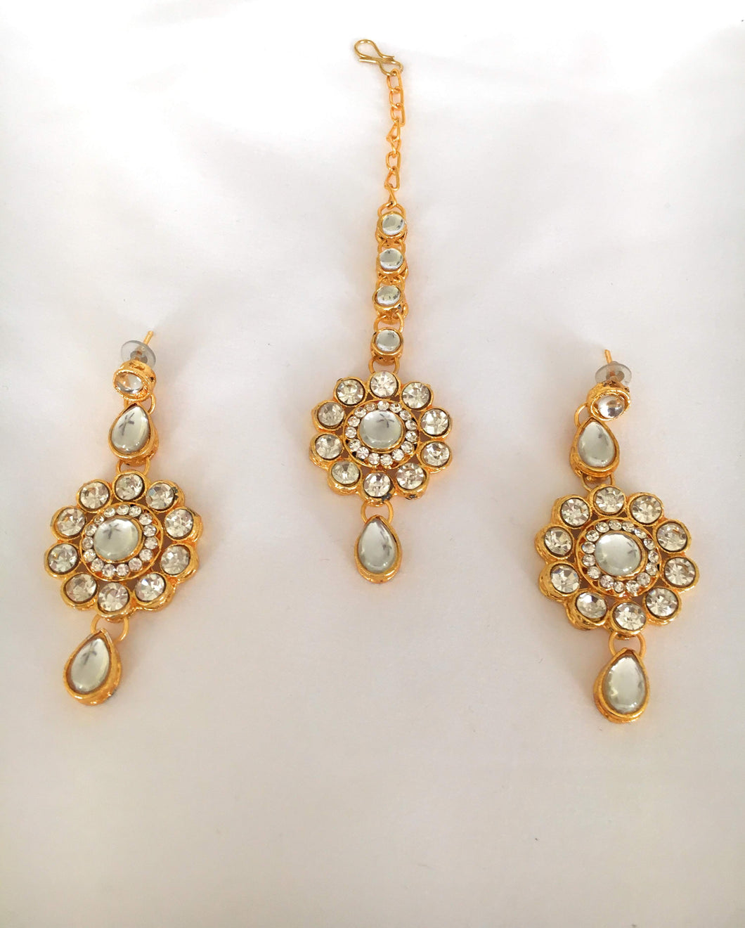 Jewelry Earring Set in White