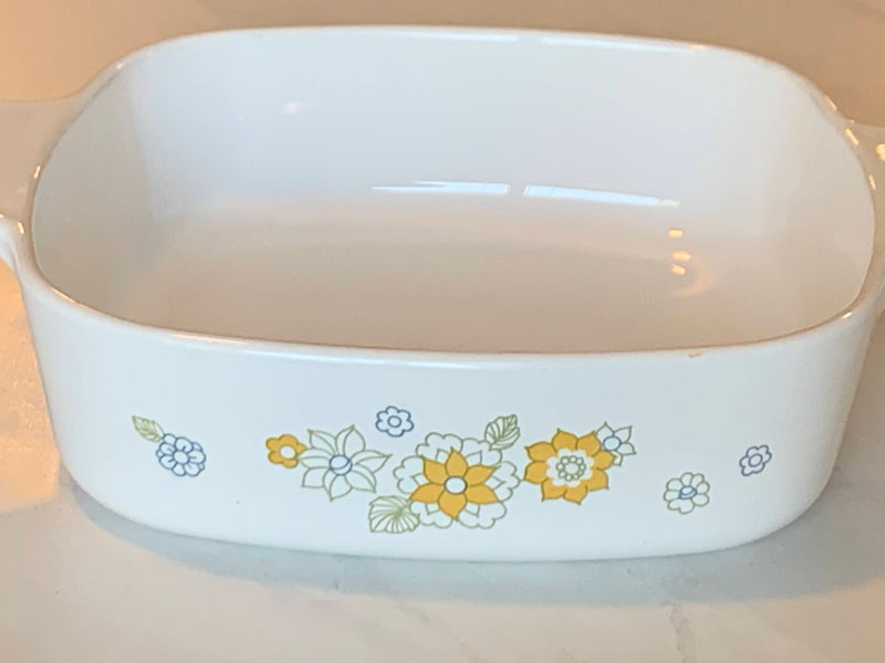 WHITE YELLOW COLOR - SERVEWARE CASSEROLE - FLORAL PATTERN - SQUARE SHAPE