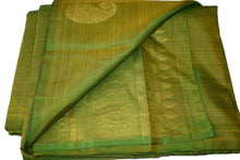 Load image into Gallery viewer, Pure South Silk Saree with Flower Zari Design in Green Color with Zari Pallu
