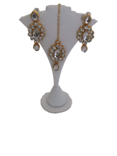 Load image into Gallery viewer, Jewelry Necklace Set in Gold and White