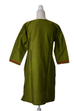 Load image into Gallery viewer, Pure Silk Kurti Top in Green color
