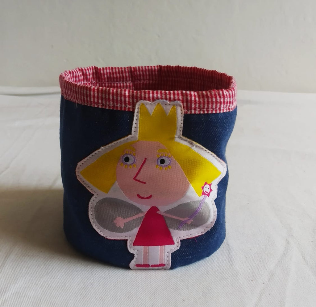 Holly - Pencil Holder