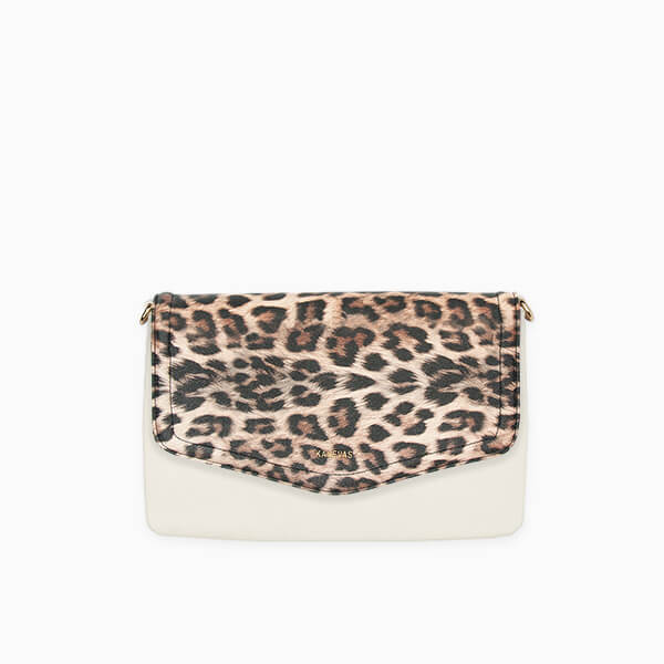 Leopard flap from Kanevas' flap bag collection; removable and interchangeable; leopard vegan leather; pocket in beige vegan leather