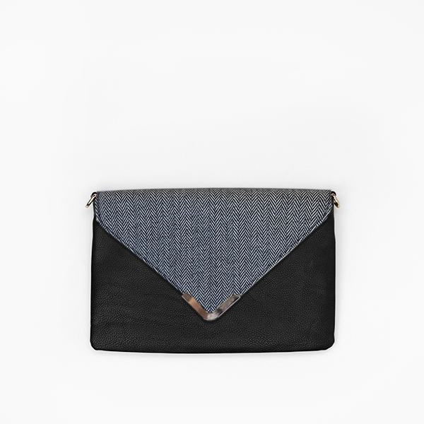 Grey herringbone flap from Kanevas' flap bag collection; removable and interchangeable; grey herringbones cotton; pocket in black vegan leather