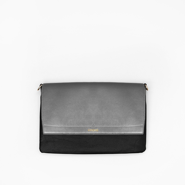 Metallic flap from Kanevas' flap bag collection; removable and interchangeable; silver vegan leather; pocket in black vegan leather